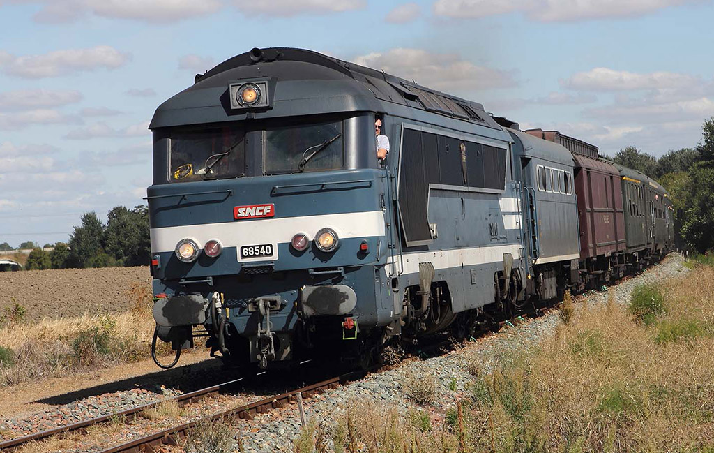 La locomotive 68540 en direction de Pithiviers (Journées Européennes du Patrimoine - 15 septembre 2018)