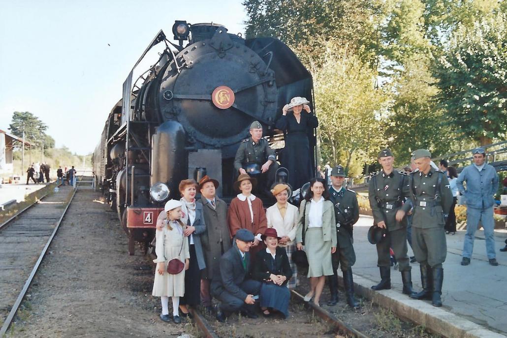 141R840 - St Jean de Braye - 27 septembre 2003 - tournage Octobre Rouge