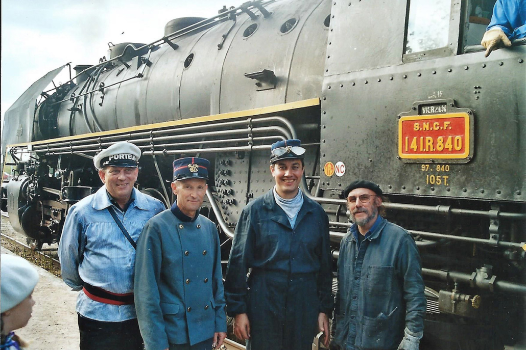 141R840 - St-Jean de Braye - 27 septembre 2003 - tournage Octobre Rouge