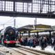 La locomotive à vapeur 141R840 en gare de Paris Austerlitz le 21 octobre 2017